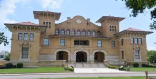 Nueva Aplicación Para Recorrer la Ciudad Trae la Historia de Pensacola Viva ~ New walking-tour app brings Pensacola's history alive