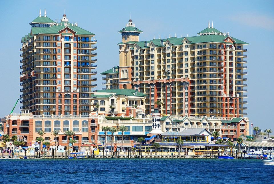Destin Emerald Grande condominium