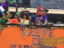 Krewe de Karnaval parade throwers