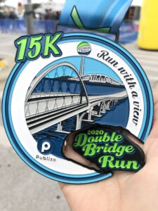 Double Bridge Run participant medalion