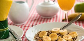 cereal and bananas
